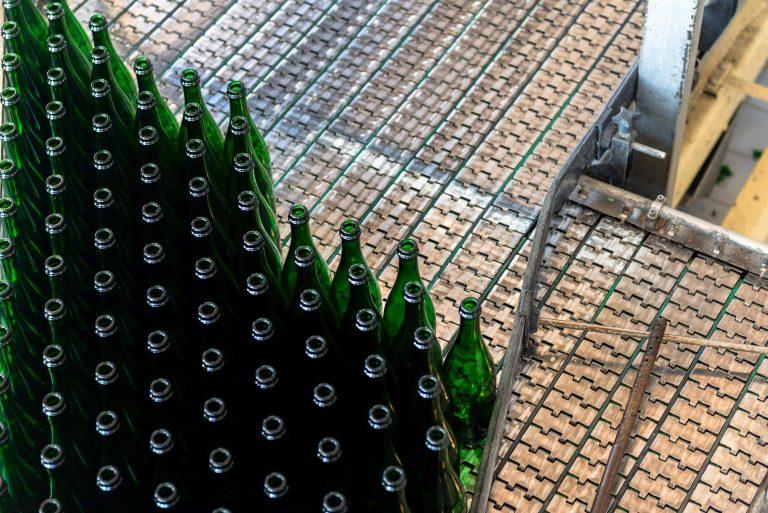 Scharnierbandketten in der Getränkeindustrie